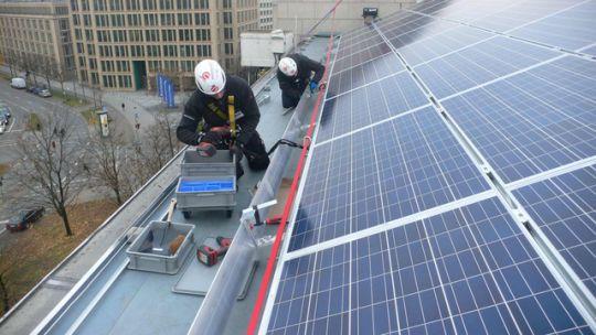 Installation von Solarmodulen in München